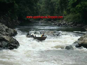 Kapuas river with some rapids at the border of West Borneo and Central Borneo