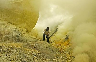 sulphur clouds