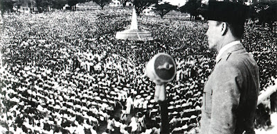 soekarno di tugu 7 Negara yang pernah diserang Indonesia