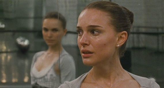 Mila Kunis and Natalie Portman Get it on in Black Swan Trailer