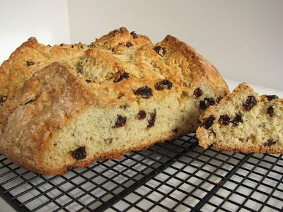 American-Style Irish Soda Bread with Raisins and Caraway Seeds ...