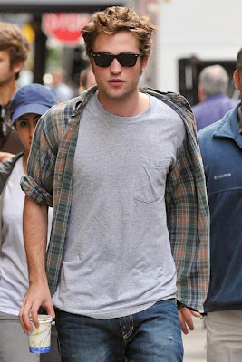 Robert Pattinson Boner on Ve Never Felt More Comfortable Walking The Streets Knowing Latchkey