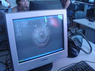 Uma das criações dos alunos na tela do computador