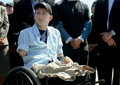 Media dis&dat: First Iraq war surviving quadruple amputee gets new
