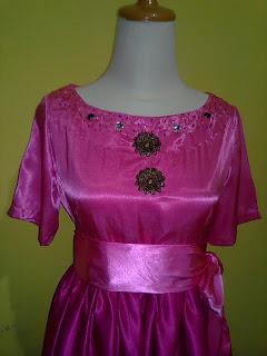 Gaun Malam yang menawan