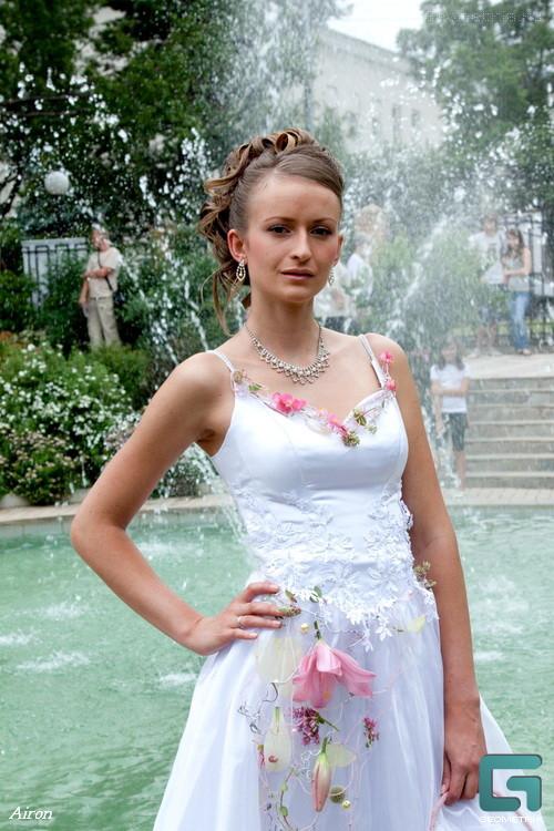 Украшения из цветов на платье купить