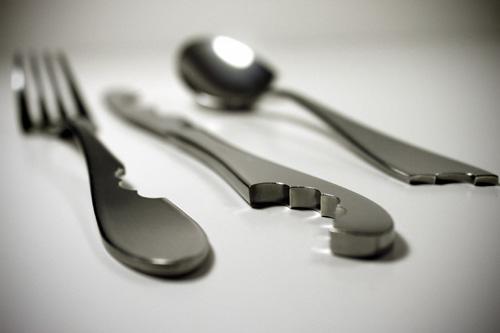 [design-fetish-bite-silverware-3.jpg]