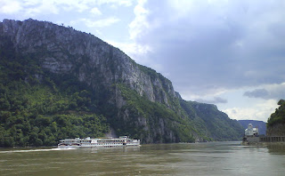 Danube River - Little Kazan Gorge and Mracunia Monastery/ Cazanele Mici si Manastirea Mraconia - Clisura Dunarii