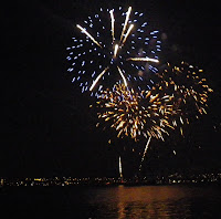 The magic of fireworks  -  Vancouver's   Celebration  of  Light   2010 - Mexico team - third night