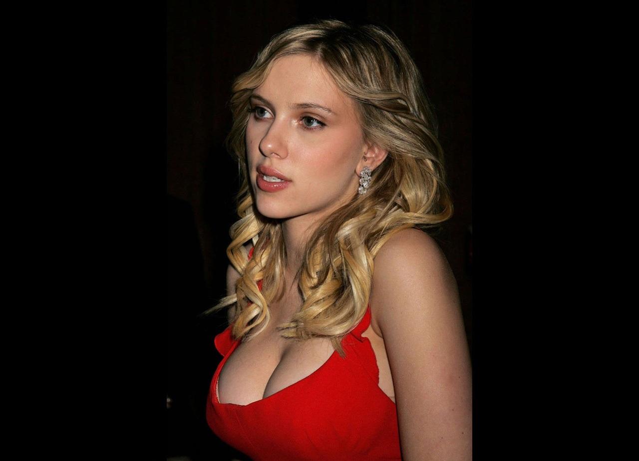 http://4.bp.blogspot.com/_R0_FySbUL3g/TKUbzpW25nI/AAAAAAAAEG8/AeyHzeqswtY/s1600/scarlett-johansson-sexy-red-1280-698787.jpeg