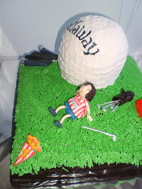 tarta de jugador de golf, con sus palos, con su césped...