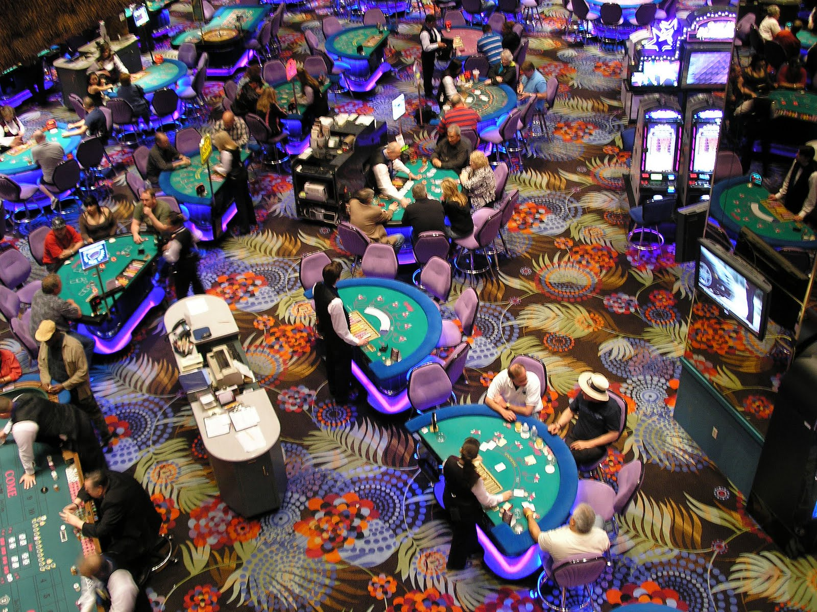 gambling in the bahamas Vacations offer a glimpse of freedom–from work, school, responsibility, and, if you  do it right, freedom from having to make decisions perhaps.