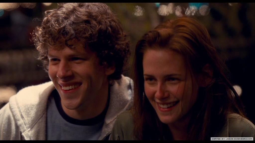 Jesse Eisenberg And Kristen Stewart Adventureland