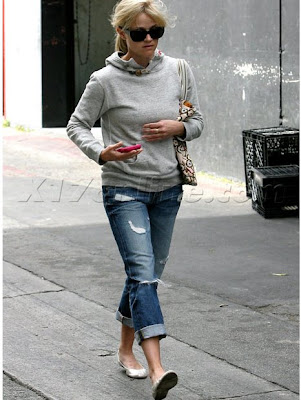 Reese Witherspoon Jeans. Reese Witherspoon wearing