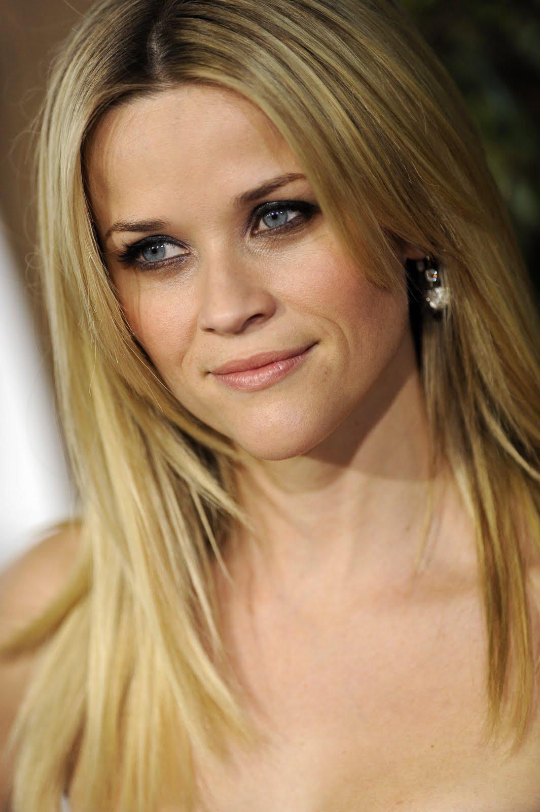 http://4.bp.blogspot.com/_R5WS6_kmmTI/TQfjMDKWICI/AAAAAAAA50k/4CYF3192ap8/s1600/11632_Reese_Witherspoon_HowDoYouKnow_Premiere_J0001_Dec13_010_122_107lo.jpg