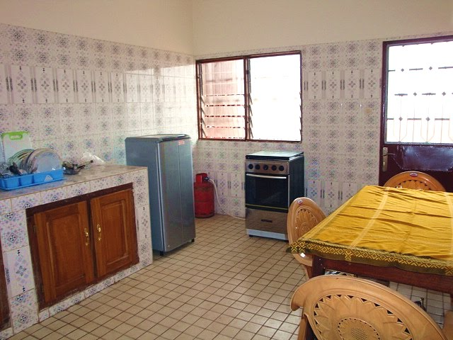 Appartement f4 meubl emombo for Appartement a louer