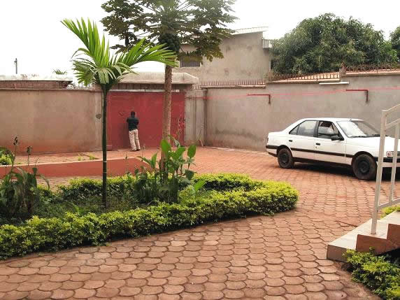 Appartements louer yaound appartement f3 meubl nkomo for Appartement meuble a yaounde cameroun