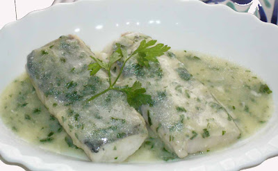 Se me v la olla merluza en salsa verde for Lomos de merluza en salsa verde