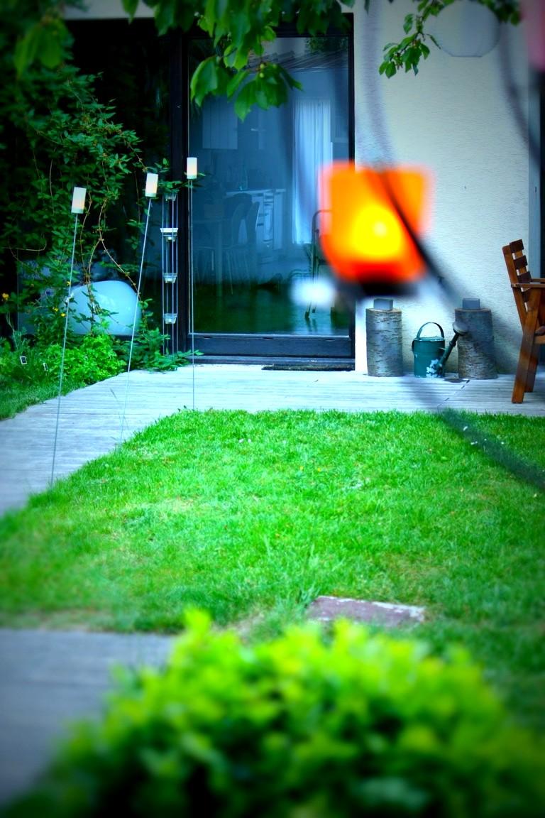un nouveau regard photophore de jardin planter pour illuminer vos soir es. Black Bedroom Furniture Sets. Home Design Ideas