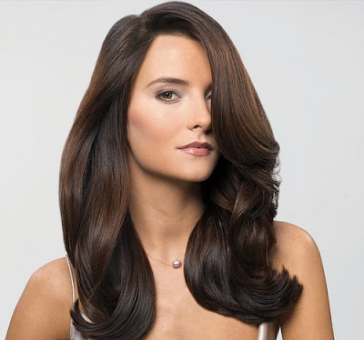 Celebrity hairstyles - haircuts: Brown wavy hair