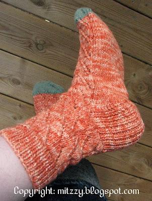 Diagonal Lace Socks 1