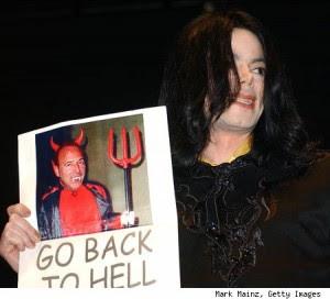 http://4.bp.blogspot.com/_R9nXf_Ruz3c/TDN1ksCMljI/AAAAAAAABrI/S_AJLxJHgE8/s400/michael-jackson-devil-poster-tommy-mottola.jpg