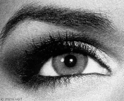 mimi vert eyes