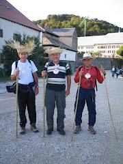 Pablo (en el centro) en el Camino Frances con Alberto y Porfirio