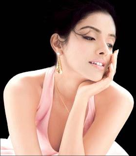 hot-sexy-asin-aasin-indian-desi-bollywood-kerala-mallu-hindi-tamil-telugu-actress-tanishq-modeling