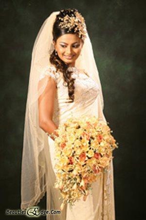Hair Styles For Kandyan Saree