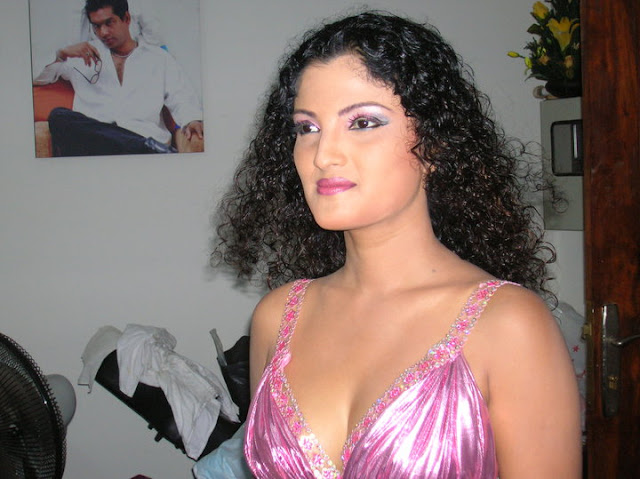 Srilankan Hot Actress Paboda Sandeepani Sexy photos