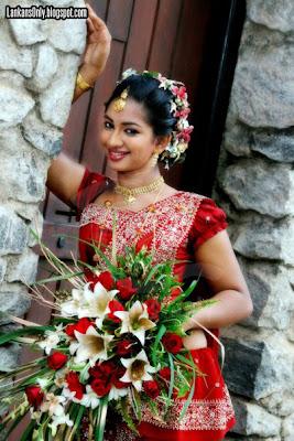 Srilankan Actress Chamalsha Dewmini Sexy Bridal  photos