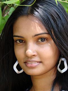 Srilankan Lovely model Chami Dilrukshi cute photos