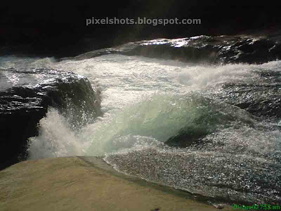 arippara waterfalls and river, iruvanjy river, iruvanjypuzha, calicut tourism spots, kerala rivers, wild river flow