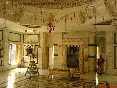 jaina temple inside photos from cochin kerala,one of the oldest indian jain temples,kerala-jain-temples,jainism-kerala
