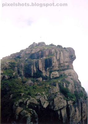 ramakkalmedu-highest-peak,tallest mountain peak in the area of ramakkalmeu mountains,mountains photo from kerala