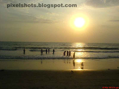 sunsets from beaches in kerala,beach sunset photography from calicut beach in kerala india,kerala beaches photos,beach sunsets,india kerala,calicut beach