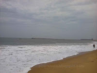 kollam beach photographs,kollam beach in the months of September,monsoon tourism season in kerala beaches,best tourism spots in kerala state,Indian beaches,kollam kadal