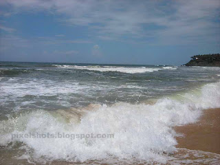 varkala papanasham beach waves closeups,kerala beach photos