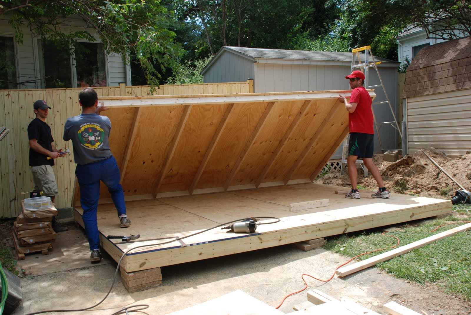 Roof trussess dimension prefab trussess timber for Pre made roof trusses