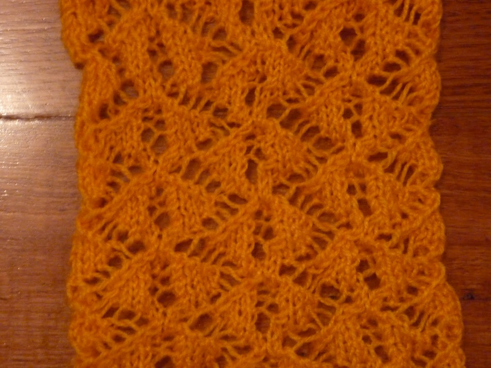 Knitting Yrn P2tog : Lacy froth diamond lace