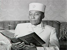The Messenger/Messiah (The Honorable Elijah Muhammad)