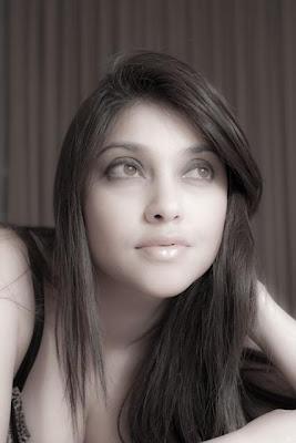 Sarah Azhari, Foto Artis, foto artis indonesia,