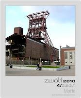 zwölf 2010: April
