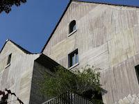 Holzhaus ganz