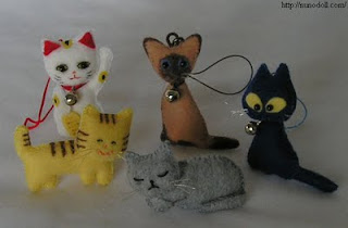 Mini cat of felt