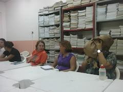 Biblioteca - professores em reunião