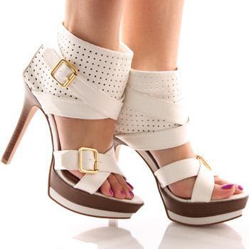 2011 in+stoc+sandale+albe