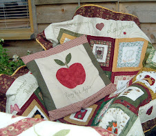 APPLE CUSHION AND HARVEST QUILT
