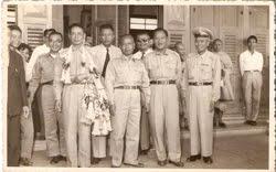 My collection-ภาพเก่าเล่าอดีต The photo of my family.